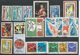 CENTRAFRIQUE  Voir Détail O (21) Cote 15,50 $ 1967-72 - Centrafricaine (République)