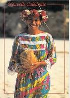 Nouvelle Calédonie  Mélanésienne De  LIFOU (sourire Noix De Coco)( Editions :Photo Surf Photo Eric Aubry 77)*PRIX FIXE - Nouvelle Calédonie