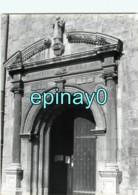 64 - CIBOURE - Porte De L'eglise Saint Vincent - PHOTOGRAPHE ROBERT PETIT - ATLAS-PHOTO - Places