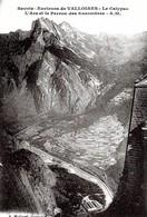 Saint Jean De Maurienne. Le Calypso , L'arc Et Le Perron Des Encombres. - Saint Jean De Maurienne