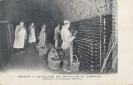 CPA - Epernay - Entreillage Des Bouteilles De Champagne - ( Collection Du Champagne Mercier ) - Epernay
