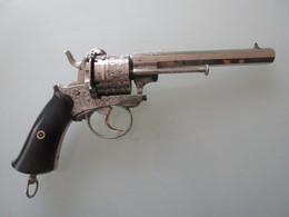 GROS REVOLVER A BROCHE CAL 12MM A BROCHE - Decorative Weapons