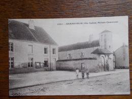 """CARTE POSTALE ANCIENNE DE GRANDVELLE.""""Maison Commune"""".animation. - Other Municipalities"""