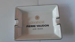 CENDRIER  CHAMPAGNE  PIERRE VAUDON  AVIZE    *****   A  SAISIR ***** - Ashtrays