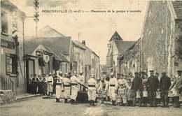 YVELINES  PORCHEVILLE Manoeuvre De La Pompe A Incendie ( Pompiers) - Porcheville