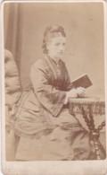 ANTIQUE CDV PHOTO - SEATED LADY HOLDING BOOK.  LEEDS STUDIO - Photographs
