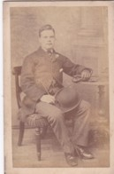 ANTIQUE CDV PHOTO - SEATED MAN. BOWLER HAT AND  CANE.  CAMBERWELL STUDIO - Photographs