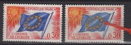 Variété Du Conseil De L'Europe 0,30 N° S30 Neuf Sans Charnière, Le Bleu Du Drapeau Surtout Timbre De Droite - Errors & Oddities