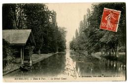 CPA 37 Indre Et Loire Richelieu Dans Le Parc Le Grand Canal - France
