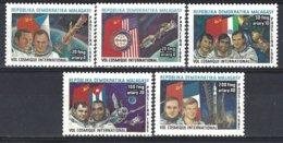 Madagascar Yv 758/62  Vol Cosmique International ** Mnh - Madagascar (1960-...)