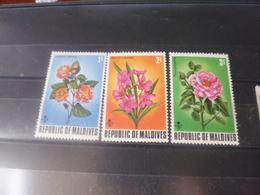 MALDIVES YVERT N°443.445** - Maldives (1965-...)