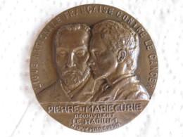 Médaille PIERRE Et MARIE CURIE, LE RADIUM, Attribué à LE GRENIER A SEL ISSOUDUN (INDRE) - France