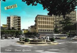 Lazio-velletri Piazza Garibaldi  Differente Veduta Anni 50/60 Piazza Fontana Auto Epoca Fermata  3 Auto Corriere Persone - Velletri