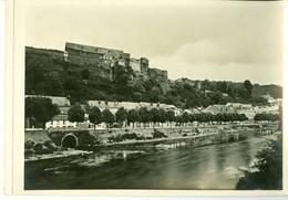 Bouillon La Semois Et Le Château Impression Brillante Sur Carton Vernis Vers 1930 24,4 X 17,5 Cm - Reproductions