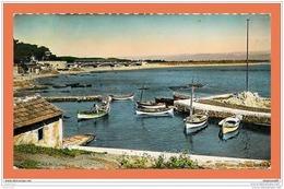 A461 / 889 83 - SAINT AYGULF Port Et Plage - Non Classés