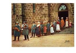 Cpm En Auvergne - La Noce - Folklore Costume Musique Vielle Cornemuse - Noces