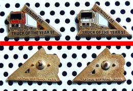 Arthus Bertrand : Lot De 2 Pin's RENAULT AE - Camion De L'année 1991 - 1 Blanc Et 1 Rouge - Arthus Bertrand