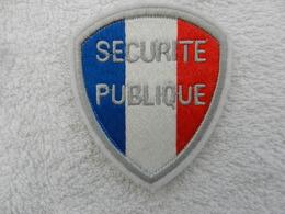 Insigne Badge Police Nationale France -  Sécurité Publique - Police & Gendarmerie