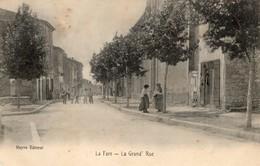 La Fare  13    La Grand' Rue  Tres Animée A Gauche Café - Autres Communes