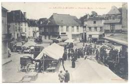 CPA Salies De Béarn - Place Du Bayaa - Le Marché  ...   ( S. 3204 ) - Salies De Bearn