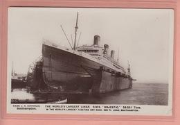 OLD POSTCARD - SHIPPING -     R.M.S. MAJESTIC - SOUTHAMPTON - Paquebots