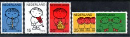 Pays Bas  / Série N 900 à 904 / NEUFS** - Neufs