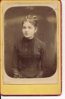 Photo Ancienne Portrait D'une Jolie Jeune Femme Fin XIXe Photographie Format 8,5x13cm - Photographica