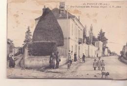 CPA -   18. Tiercé (M Et L) - Rue Nationale Vers Briollay-Angers - Tierce