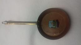 Mini Poêle En Cuivre Avec Le Blason De Swanage - Dishware, Glassware, & Cutlery
