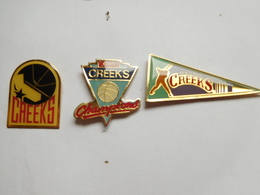 Belle Série De 3 Pin's Différents , Baseball ,  Creeks Chicago - Baseball
