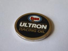 JETON CADDIE CADDY METAL  - ESSO - ULTRON RACING OIL - - Trolley Token/Shopping Trolley Chip
