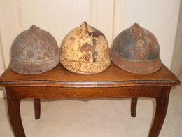 LOT DE 3 EPAVES DE CASQUE ADRIAN 1915 - Casques & Coiffures