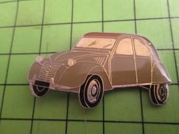 916b Pin's Pins / Beau Et Rare / THEME AUTOMOBILE : CITROEN 2 CV GRISE - Citroën