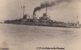 Alte Ansichtskarte Von Der SMS Westfalen Im Eis In Finnland - Guerre
