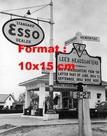 Reproduction D'une Photographie Ancienne D'une Station ESSO - Reproductions