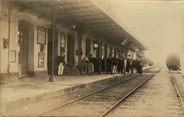 88 - EPINAL - La Gare - Le Quai - Carte-photo Poissenot, 34 Rue Falz, BELFORT - Epinal