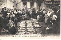 LA VENTE DU POISSON PLACE DE LA MARINE - Agde