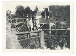 Photo Amateur Personnes Sur Pont, Dessus Canal - Personnes Anonymes