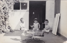 NIÑOS ENFANTS KIDS JUGANDO JOUENT PLAYING. CIRCA 1940s UNCIRCULATED-BLEUP - Fotografie