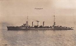 """Alte Ansichtskarte Des Kl. Kreuzers """"Frankfurt"""" - Guerre"""