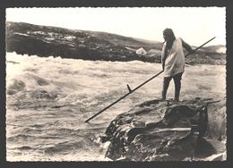 Esquimaux / Eskimo's / Inuit / Indian - Pêche Au Saumon Sur La Rivière / Salmon Fishing - Photo Card - Amérique