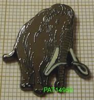 MAMMOUTH  MAMMIFERE DISPARU De La PREHISTOIRE  ELEPHANT En Version EGF - Animaux