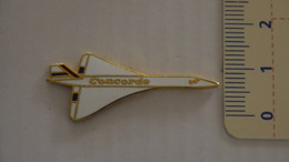 PIN'S - AVIONS - CONCORDE - Airplanes