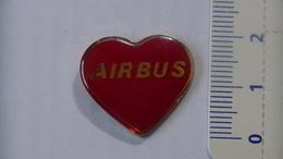PIN'S - AVIONS - AIRBUS COEUR - Airplanes