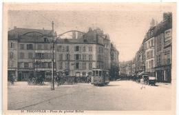 Cpa 57 Thionville  Place Du Général Hellot - Thionville