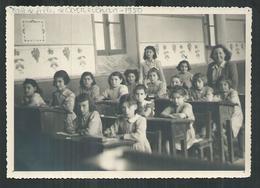 Corneilhan (Hérault). Photo  Format 15cm X 11cm D'une Classe De L'école De Filles En 1950 - Lieux