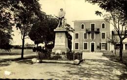 13-BOUC-BEL-AIR- Le Monument Et La Mairie / A 288 - Autres Communes