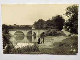 Carte Postale : 47 LAVARDAC : Pont Sur La Baïse, Animé, En 1958 - Lavardac