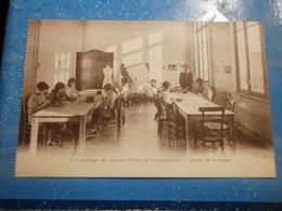 CPA ANIMEE - COLLEGE DE JEUNES FILLES - ARMENTIERES - SALLE DE COUTURE - Schools