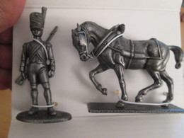 FIGURINE NAPOLEONIENNE 1805 EN ZAMAC DE MARQUE MHSP / MEDAILLE COLLECTOR + CHEVAL ATTELAGE DE L'ARTILLERIE + ARTILLEUR - Army
